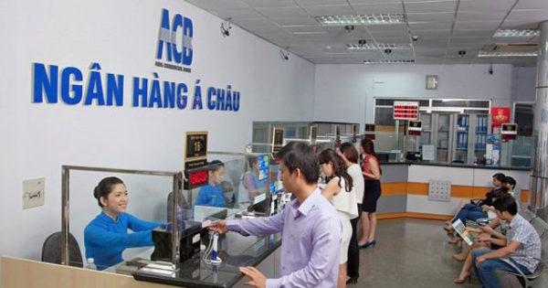 Tra cứu số tài khoản ngân hàng ACB tại quầy giao dịch