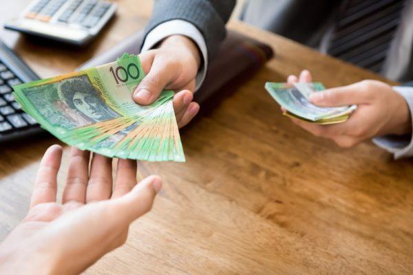 Đổi đô la Úc sang tiền Việt ở đâu?