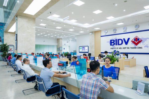 Mở thẻ ATM ngân hàng BIDV tại quầy giao dịch