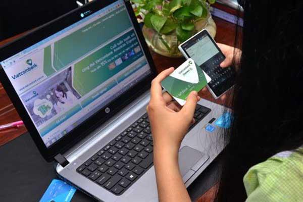 Kiểm tra số dư tài khoản ngân hàng Vietcombank