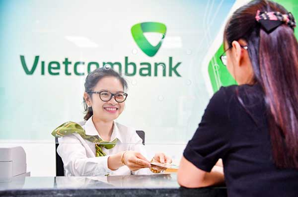 Khách hàng có thể chuyển tiền trực tiếp tại quầy Vietcombank