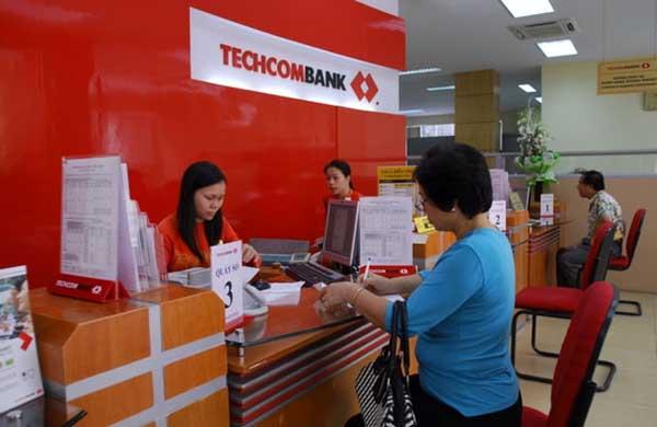 mức phí chuyển tiền ngân hàng Techcombank