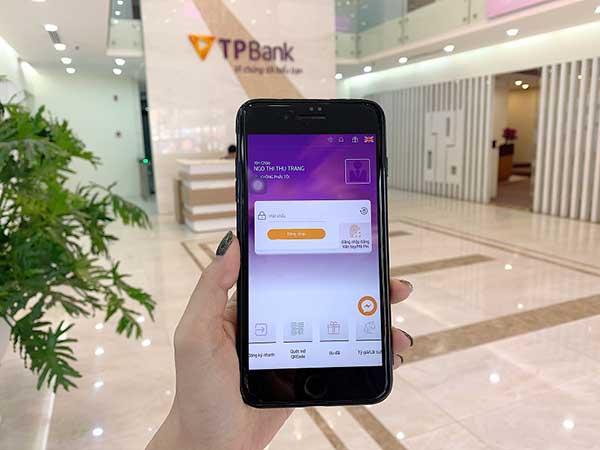 Đăng nhập ứng dụng eBank của TPBank để chuyển tiền