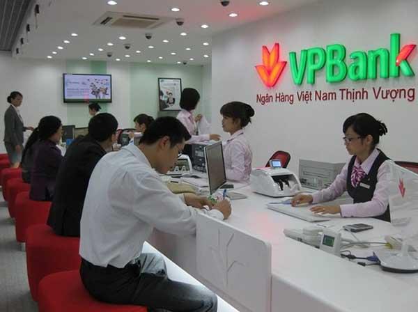 Mức phí chuyển tiền tại quầy giao dịch ngân hàng VPBank