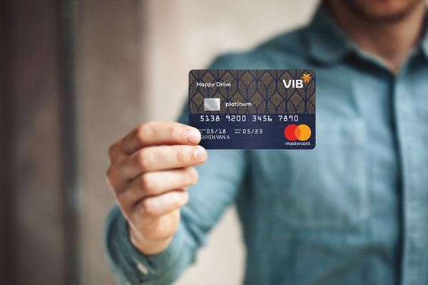 nên làm thẻ tín dụng ngân hàng nào tốt 2020