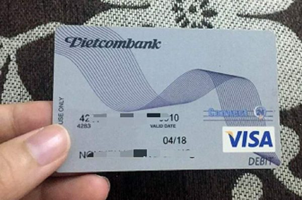 Thẻ Visa Debit ngân hàng