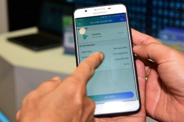 Chuyển tiền miễn phí trên ứng dụng ngân hàng số Viettel Pay