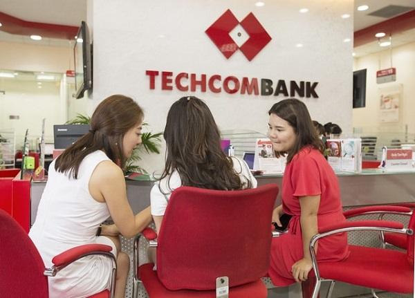 Chuyển tiền ngân hàng Techcombank tại quầy giao dịch