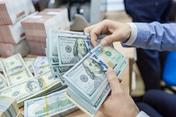 Nên đổi tiền Đô la Mỹ ở đâu hợp pháp, giá cao?