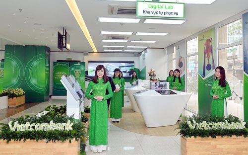 Khách hàng óc thể đến trực tiếp quầy giao dịch để làm sao kê ngân hàng Vietcombank