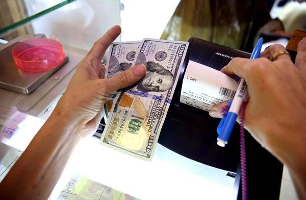 Đổi tiền Đô ở tiệm Vàng liệu có bị phạt không?
