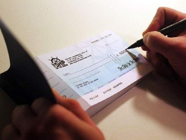 Có thể rút tiền mặt Cheque ở đâu?