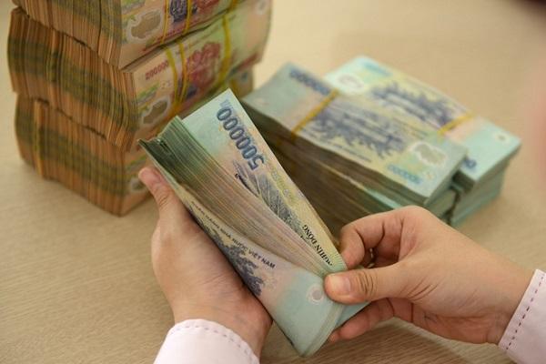 Lãi suất vay 50 triệu FE Credit bao nhiêu?