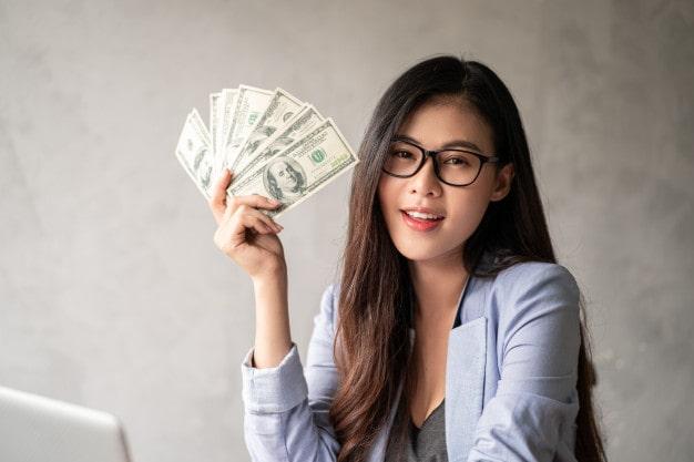 Nắm rõ 1 USD bằng bao nhiêu tiền Việt giúp nhà đầu tư chủ đông hơn trong các giao dịch tài chính