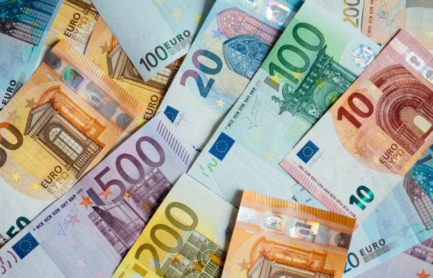 Tìm hiểu tỷ giá và lựa chọn ngân hàng để mua/bán đồng Euro được giá nhất