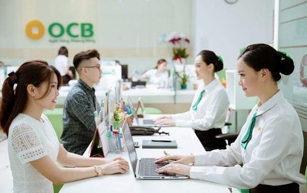 Giờ làm việc của ngân hàng vào sáng thứ 7 là: 8h00 – 12h00