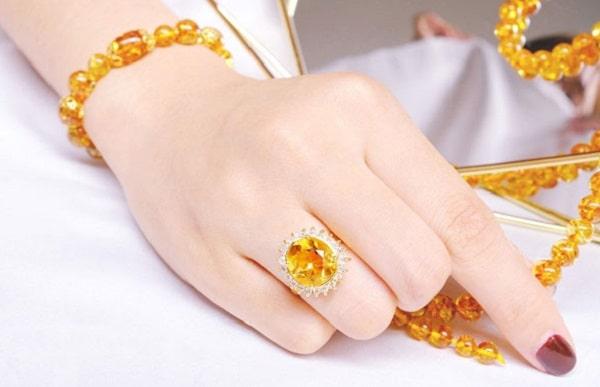 Bộ trang sức vàng 610