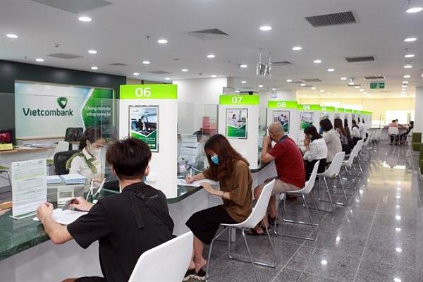 Đến phòng giao dịch VietcomBank