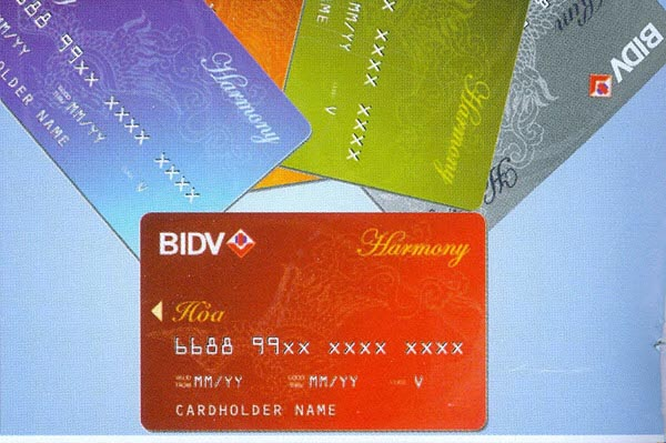 Phí duy trì và phí thường niên thẻ ATM BIDV là gì?
