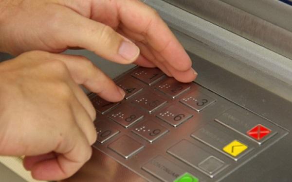 Đổi mã PIN thẻ ATM VietinBank có mất phí không?