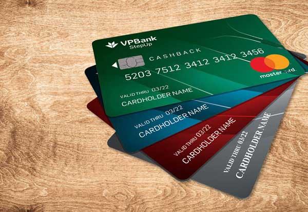 Học sinh làm thẻ ATM được không?