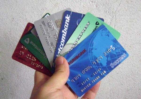Phải làm gì với thẻ ATM bị trầy, mất số, mất thông tin?
