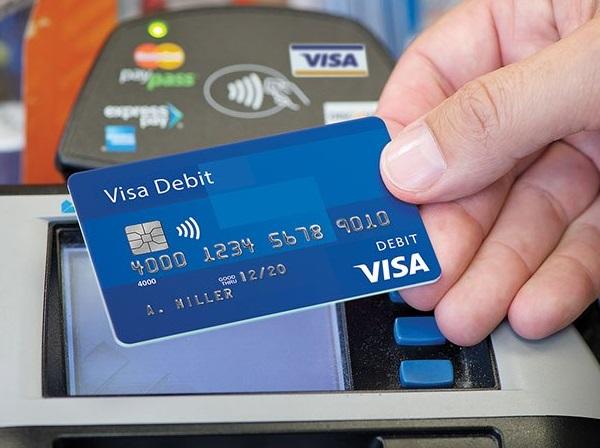 Phí mở thẻ ghi nợ quốc tế