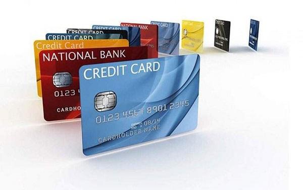 Hạn chế dùng thẻ tín dụng