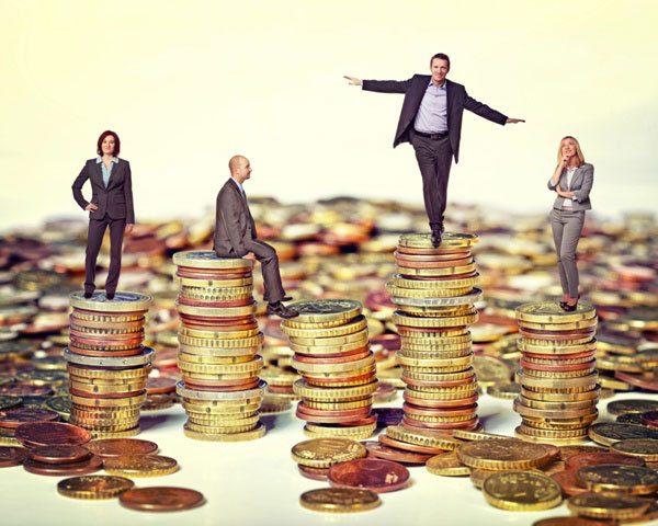 Người giàu tạo ra tiền