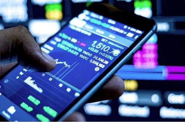 Đầu tư online là phương thức đầu tư mà mọi giao dịch có thể thực hiện qua Internet.